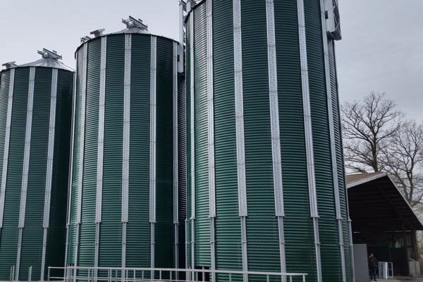 Hopper silo