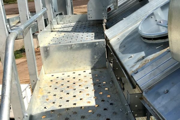 Platform ved tagfod for nem adgang til silo